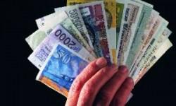 Курс доллара побил новый рекорд, а рублю все равно