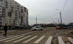 Дорожники нарисовали двойную сплошную там где раньше был выезд со двора на Нововатутинском проспекте, 8