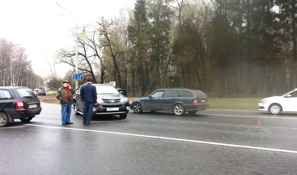 опять дождь и опять любимый перекрёсток!